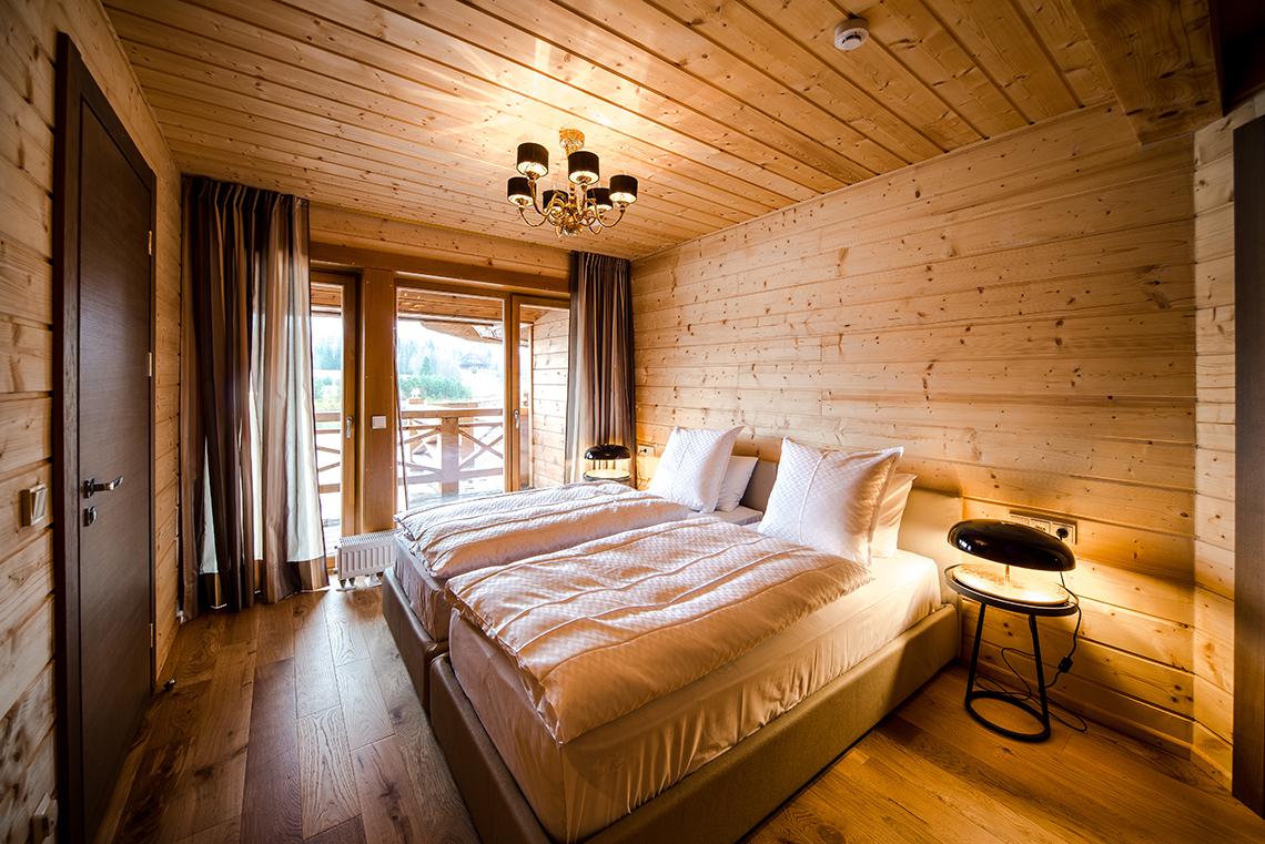 Спальня обшитая вагонкой